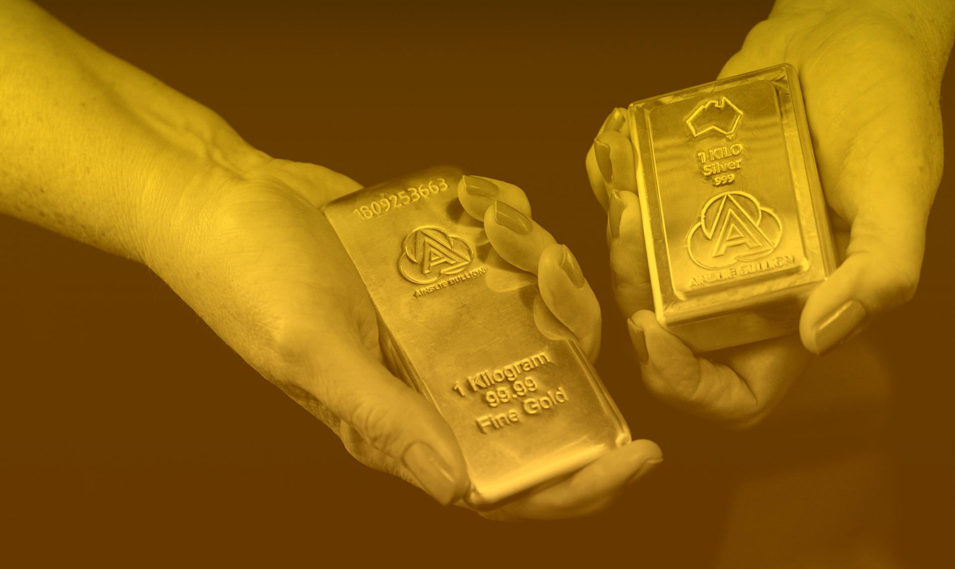 Gold Smashes US$1800 on Hong Kong Concerns